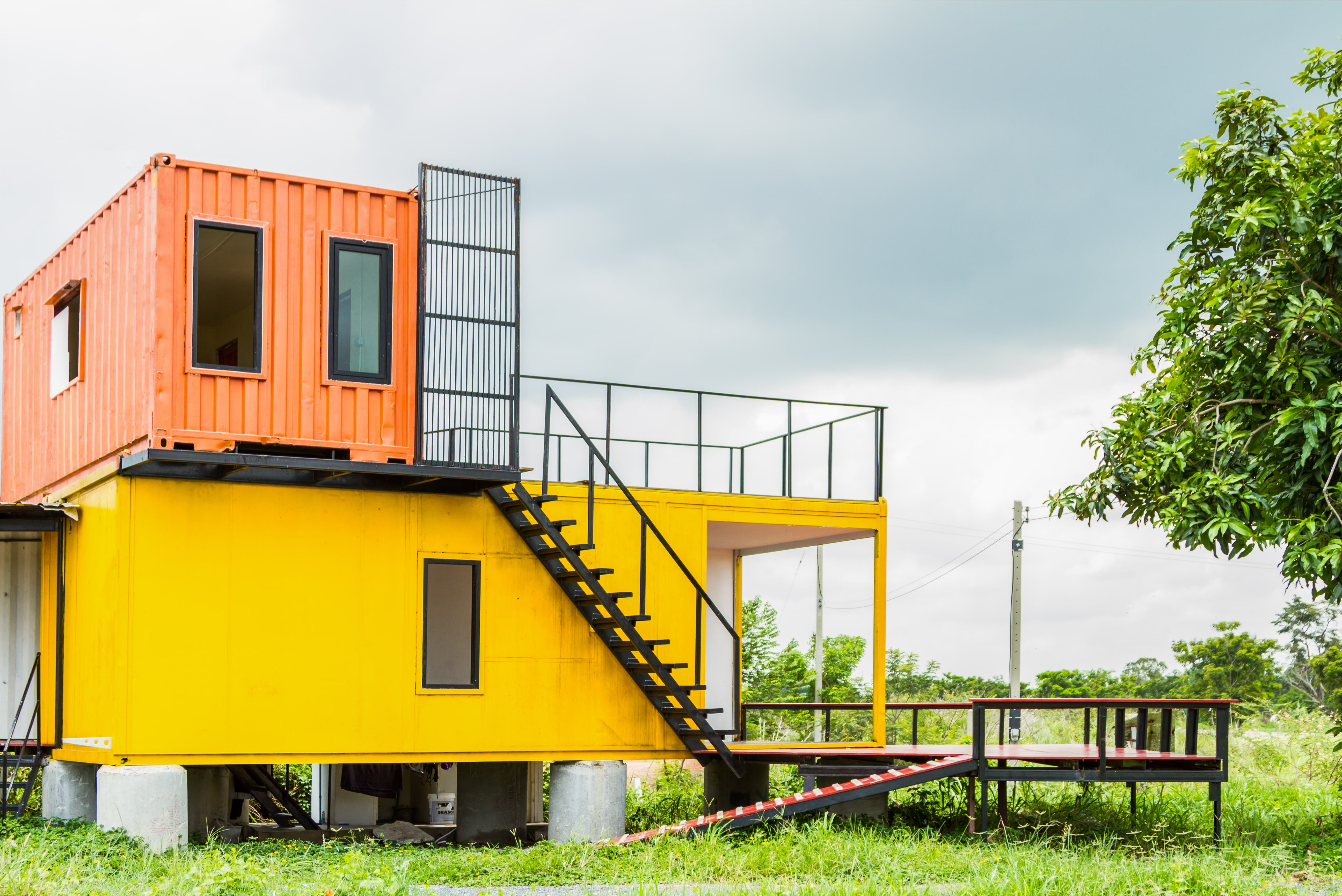 Leben im Container: Wie Wohnraummangel die Baubranche erfinderisch ...